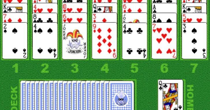 Solitaire žaidimas apie kortas su golfo aikštyno paveiklsiukais, solitaire kortos.