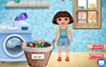 Šiame žaidime mergaitė Dora skalbia savo rūbelius.