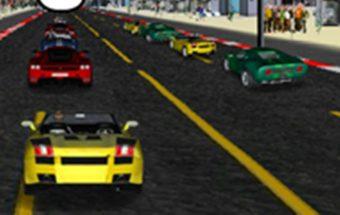 Kabrioleto lenktynės mieste. Mašinos ir sportas su mašinomis.